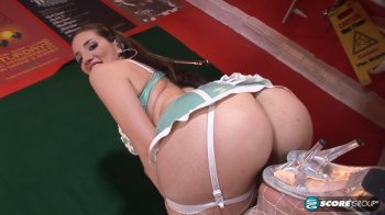 Kelly Divine - Deep Cleaning (2014/HD)
