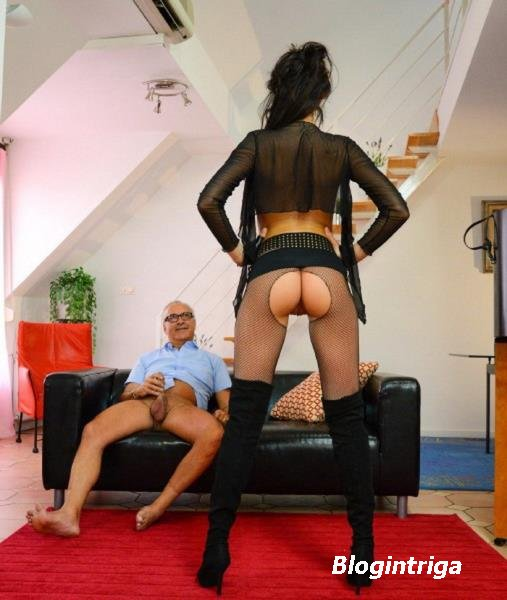 Erika Bellucci - Gun toting tart from Transilvania (2013/HD)