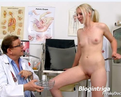 Margot - 21 years girls gyno exam