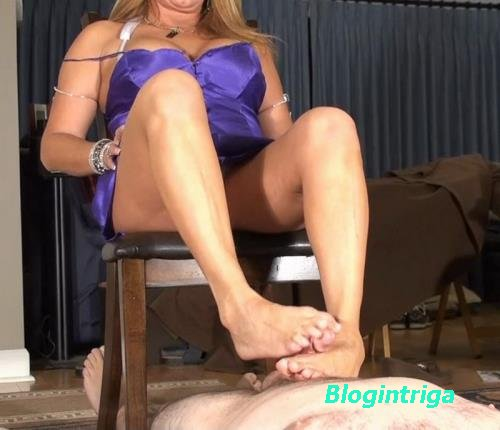 Daniella - Gives Cuck Step a Foot job